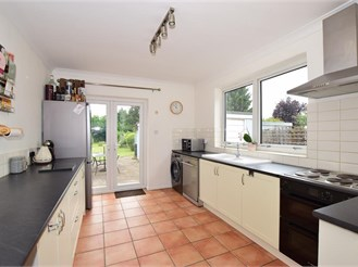 3 bedroom semi-detached house in Yalding, Maidstone