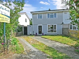 3 bedroom semi-detached house in Crayford