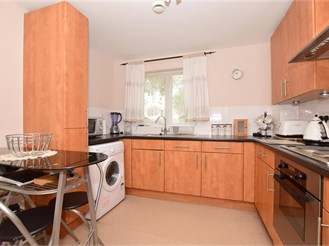 2 bedroom ground floor apartment in Holborough Lakes