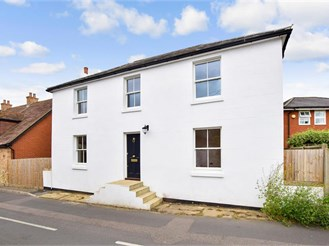 4 bedroom detached house in Ash, Canterbury