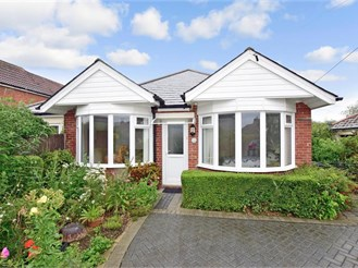 4 bedroom detached bungalow in Capel-Le-Ferne, Folkestone