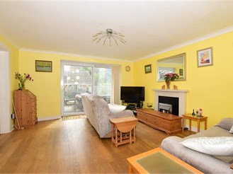 4 bedroom link-detached house in Willesborough, Ashford