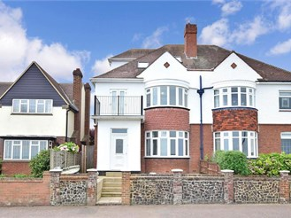 4 bed semi-detached house in Herne Bay