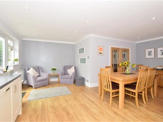 4 bedroom detached house in Bearsted, Maidstone