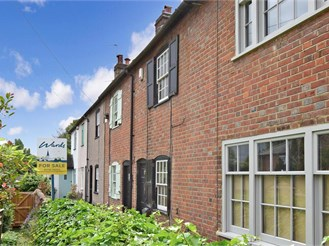 3 bedroom terraced house in West Malling