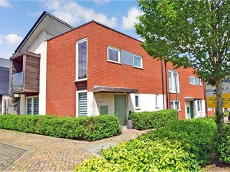 3 bedroom end of terrace house in Coxheath, Maidstone