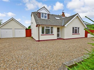 4 bedroom detached house in Platts Heath, Maidstone