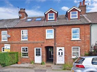 3 bedroom terraced house in Golden Green, Nr Tonbridge
