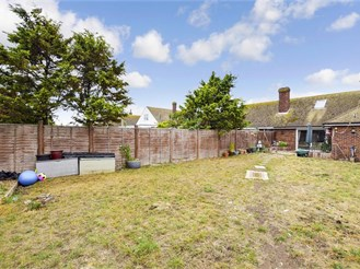 3 bedroom semi-detached bungalow in Lydd On Sea