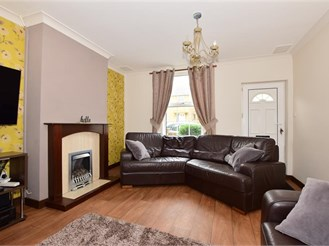 3 bed terraced house in Sittingbourne