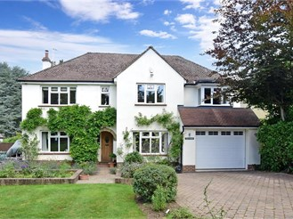 5 bedroom detached house in Fetcham, Leatherhead