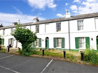 2 bedroom cottage in Canterbury