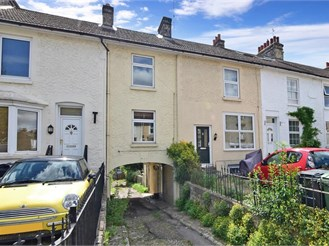 2 bedroom terraced house in Barming, Maidstone