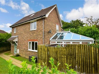 4 bedroom semi-detached house in Kings Hill, West Malling