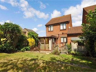 3 bedroom link-detached house in Shirley Oaks Village, Croydon