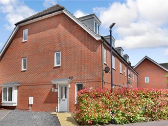 3 bedroom town house in Boughton Monchelsea, Maidstone
