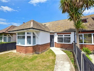 4 bedroom detached bungalow in Broadstairs