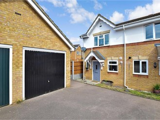 2 bedroom semi-detached house in Frindsbury, Rochester