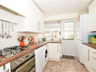3 bedroom detached bungalow in Whitfield, Dover