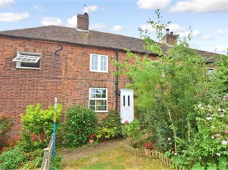 2 bedroom terraced house in Shottenden, Canterbury