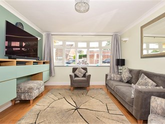 4 bedroom detached house in East Malling