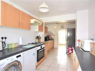 3 bedroom terraced house in Rochester