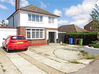3 bedroom detached house in Minster On Sea, Sheerness