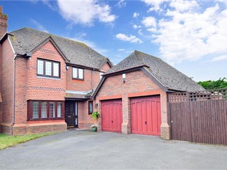 4 bedroom detached house in Upchurch
