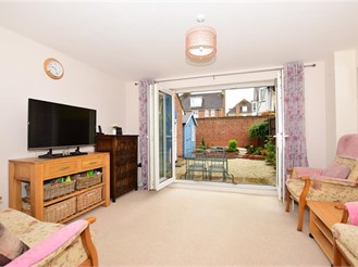 3 bedroom end of terrace house in Kings Hill, West Malling