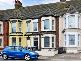 1 bedroom ground floor converted flat in Margate