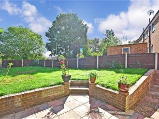 3 bedroom end of terrace house in Frindsbury, Rochester