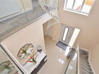 5 bed detached house in Lydden, Dover