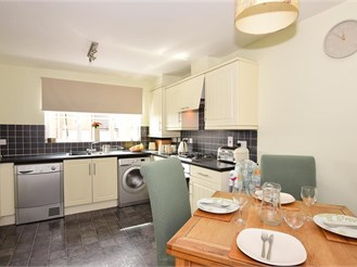5 bedroom link-detached house in Allhallows, Rochester