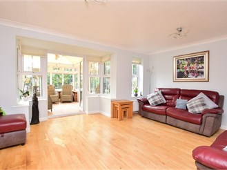 4 bed detached house in Broadstairs