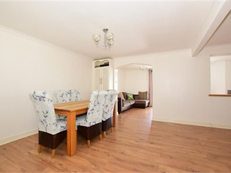 4 bed detached house in Walderslade, Chatham