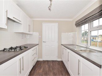 2 bed park home in Paddock Wood