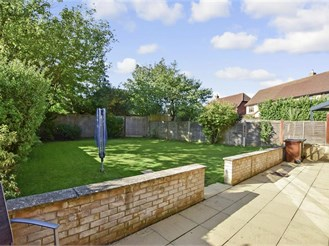 4 bedroom detached house in Kings Hill, West Malling