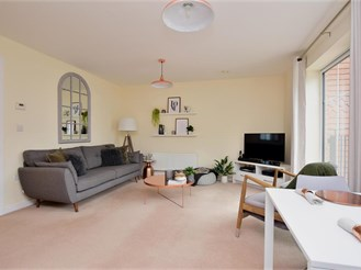 2 bedroom first floor flat in Dunton Green, Sevenoaks
