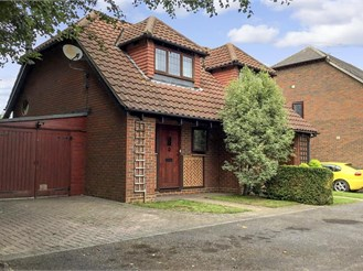 2 bedroom semi-detached house in Halling, Rochester