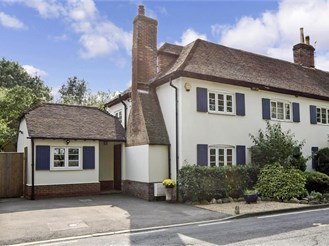 4 bedroom semi-detached house in West Farleigh, Maidstone