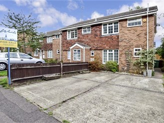 3 bedroom semi-detached house in Lords Wood