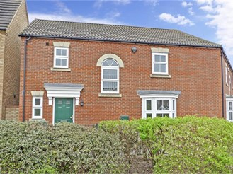 3 bedroom semi-detached house in Kemsley, Sittingbourne