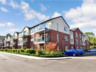 1 bedroom top floor retirement flat in Tonbridge