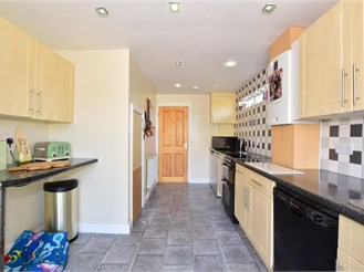 3 bedroom end of terrace house in Tenterden