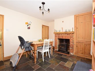 3 bedroom cottage in Canterbury