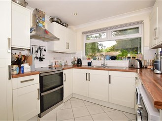 4 bed detached house in Shirley, Croydon