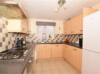 3 bedroom detached house in Whitfield, Dover
