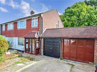 3 bedroom semi-detached house in West Kingsdown, Sevenoaks