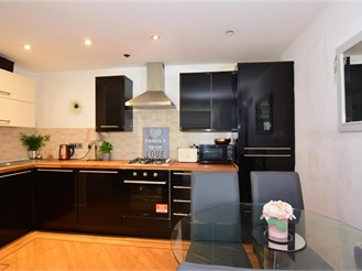 1 bedroom first floor apartment in Gravesend