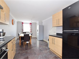 4 bedroom end of terrace house in Hoo, Rochester